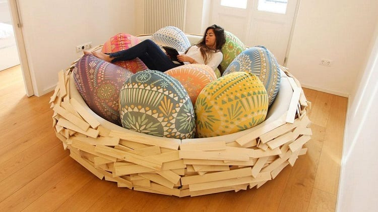 Giant Egg Nest Bed