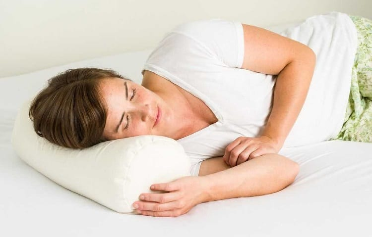 woman sleeps on right size